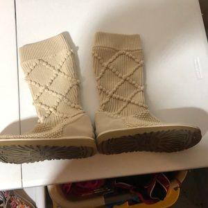 Ugg knit boots like new